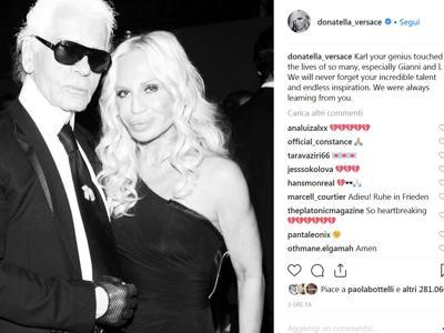 Da Donatella Versace a Valentino, la moda piange Karl Lagerfeld