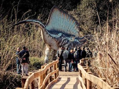 I dinosauri sbarcano nel Parco degli Astroni a Napoli