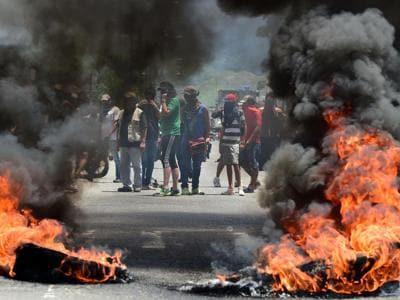 Proteste e scontri contro Maduro in Venezuela