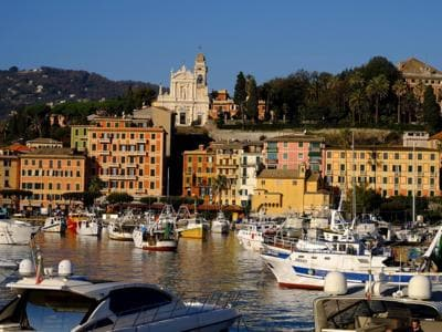 Vacanze: le 10 località dove il mattone costa di più