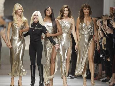 Da Cindy a Claudia, il gran ritorno delle supermodel per Versace