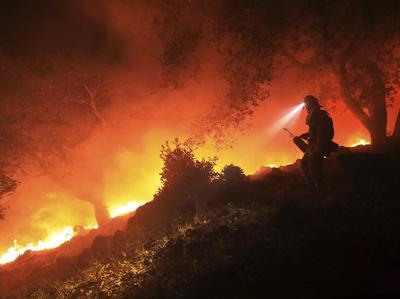 California, venti forti e incendi catastrofici