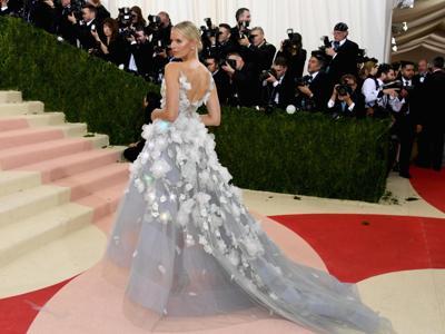 Lo scandalo Weinstein travolge Marchesa e i suoi abiti da red carpet