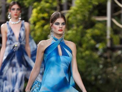 Chanel, giochi di vinile e dettagli preziosi nella giungla urbana