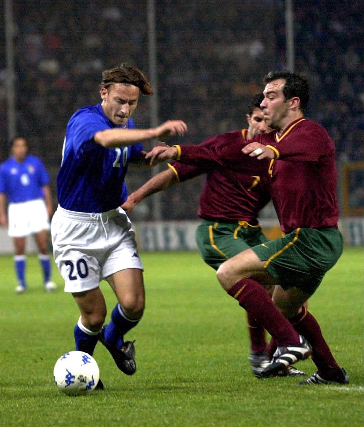 Risultati immagini per italia portogallo totti 2000