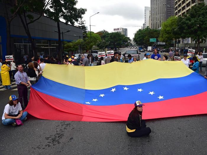 Venezuela Nel Caos Nuove Proteste Contro Maduro Il Sole