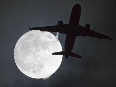 First super-moon of 2018: spectacular images from all over the world