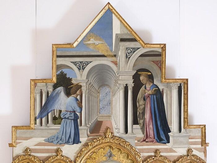 Piero della Francesca. Annunciazione della Vergine Maria, 1467 -1468. (Cimasa del Polittico di Sant'Antonio). Tempera su tavola, 122x194 cm. Perugia, Galleria Nazionale dell'Umbria