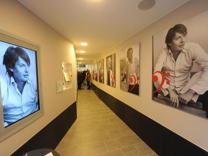 Il negozio museo sito in via del Campo dedicato a Fabrizio De Andrè , Genova 2012 (Ansa)