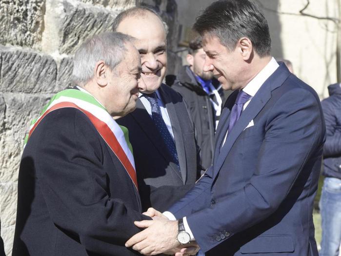 Il primo ministro Giuseppe Conte ricevuto dal  Sindaco di Matera. (ANSA/ UFFICIO STAMPA PALAZZO CHIGI/ FILIPPO ATTILI)