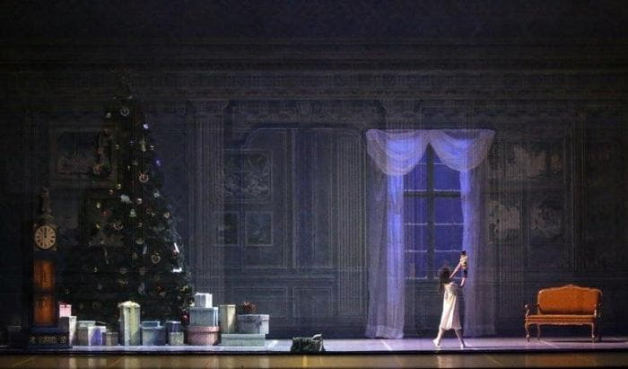Lo schiaccianoci, George Balanchine's The Nutcracker®, Coreografia George Balanchine, © The George Balanchine Trust (Foto Marco Brescia e Rudy Amisano – Teatro alla Scala)