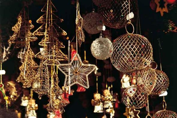 Decorazioni In Legno Per Albero Di Natale : Alto adige la magia dei mercatini di natale il sole ore
