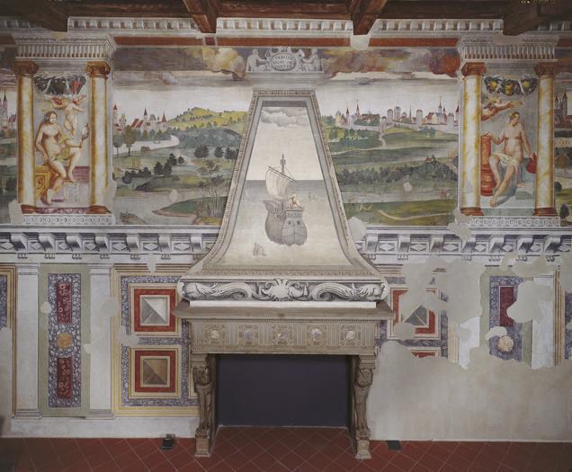 Castello di Melegnano (MI), Sala dell'Imperatore - camino © Fotografia di Adriano Carafòli