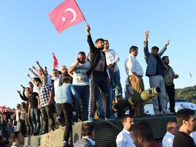 Turchia, la lunga notte del golpe fallito