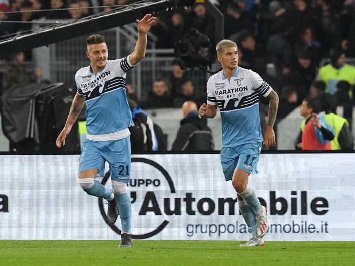 Gli autori dei goal Sergej Milinkovic-Savic con Joaquin Correa (Italy Photo Press)