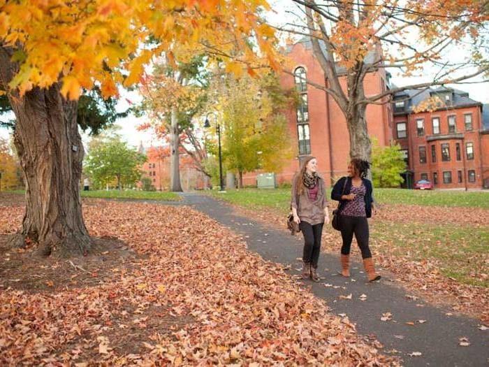 Boston può essere il luogo di partenza per immergersi nei colori dell'autunno (PH massvacation)