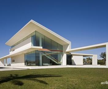 Trenta mega ville in italia l 39 architettura entra in casa for Ville in italia