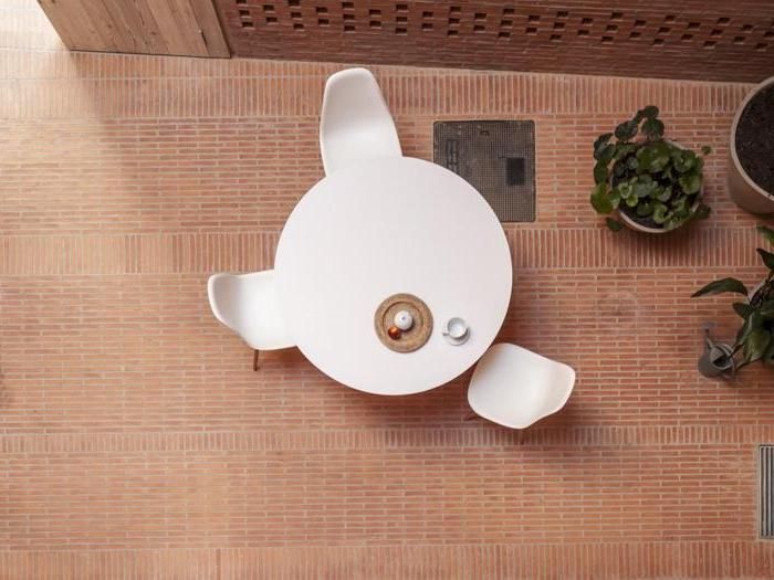 Casa 1014 a Granollers (Barcellona), in Spagna,   vincitore del Grand Prize e vincitore nella categoria Riqualificazione urbana - Progetto: Studio  Harquitectes - Foto: Adria Goula