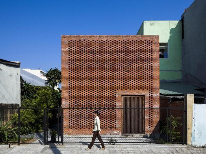 Termitary House a Da Nang, in Vietnam, vincitore nella categoria Residenziale - Progetto: Studio Tropical Space  - Foto:  Oki Hiroyuki