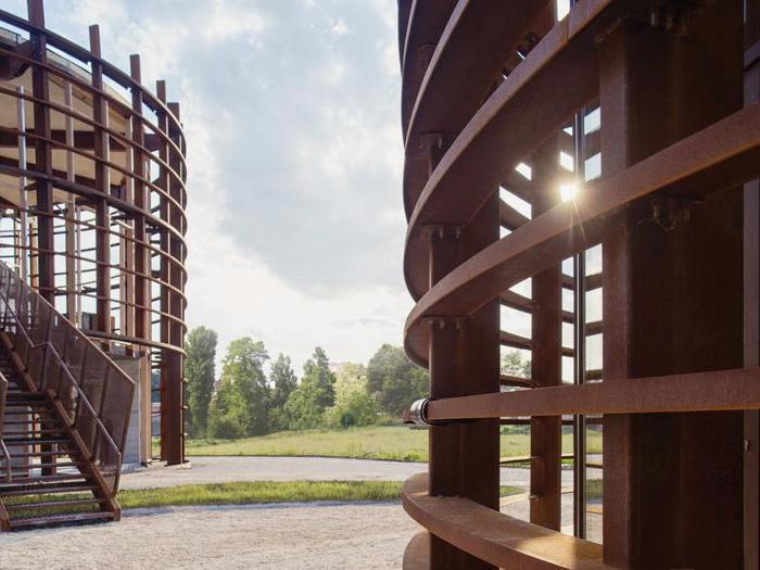 Centro per lo sport e la cultura a Bondeno (Fe) (completata) - Progetto: Mario Cucinella, Marco Dell'Agli (coordinamento progetto) - Foto: Geraldina Bellipario