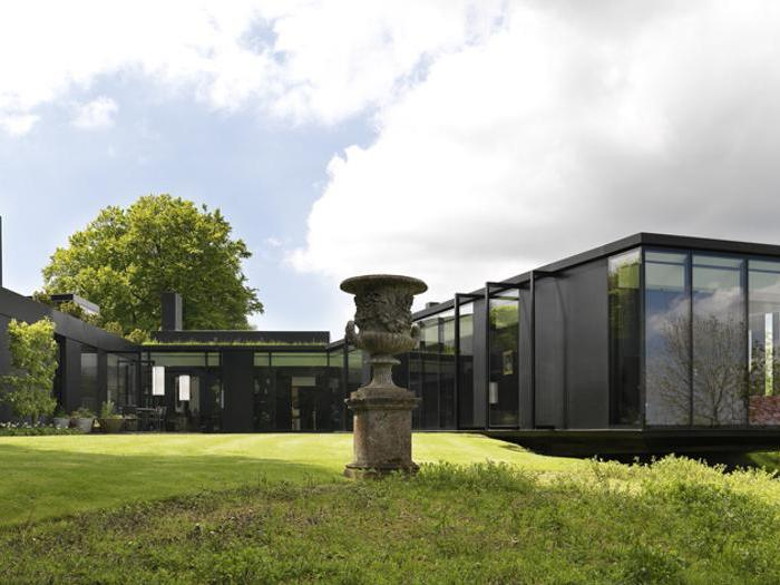 Committente: Alastair Holberton - Progettista: Lazzarini Pickering architetti - Opera: The Bluff Villa in the Chilterns, Oxfordshire, United Kingdom - Sezione:  Ala Assoarchitetti-Fondazione Inarcassa