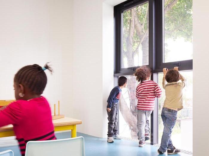 La scuola infantile a Mantes-la-Ville  firmata dallo studio italo-francese Graal - Foto: David Foessel