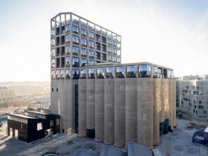 Zeitz MOCAA a Cape Town, Sud Africa - Progetto: Heatherwick Studio; Jacobs Parker Architects; Rick Brown Associates; Van Der Merwe Miszewski Architects - Altezza: 58 m