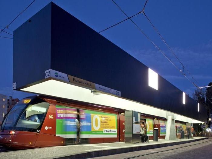 La pensilina del Tram a Piazzale Roma, Venezia - Foto: Alessandra Bello