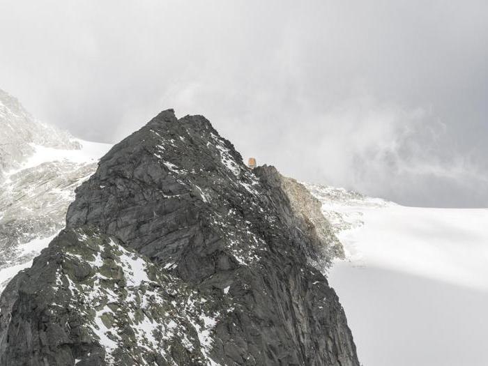 Il rifugio  Sasso nero sulle Alpi Aurine (Alto Adige) - Progetto e direzione dei lavori: Stifter + Bachmann - Foto:  Oliver Jaist